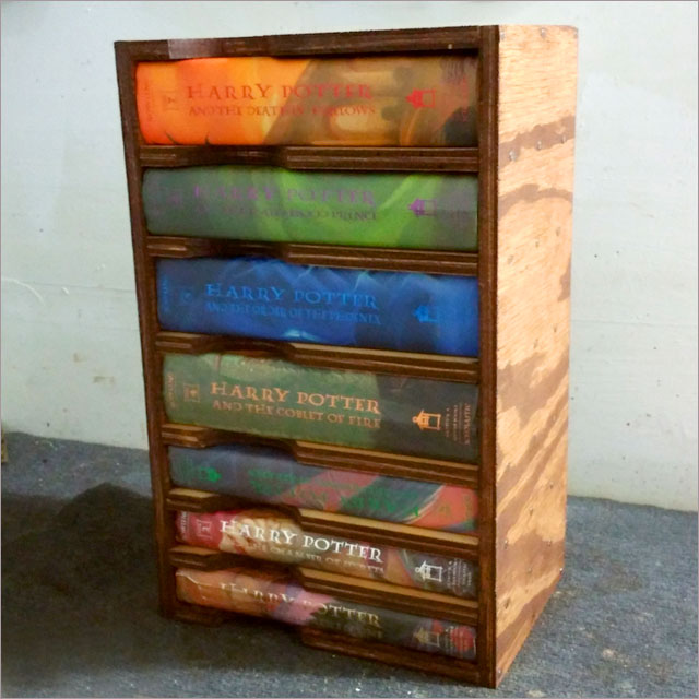Harry Potter Portable Bookcase Pic 10