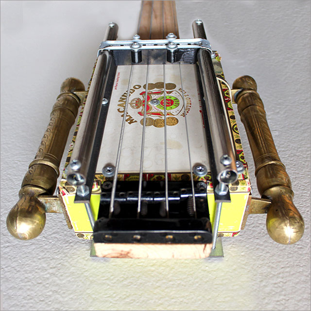 Cigar Box Bass Pic 4