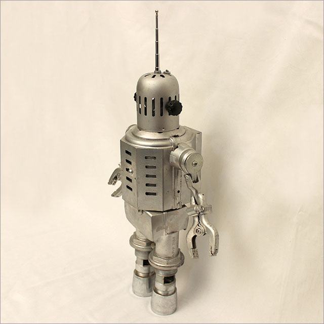 Small Round Robot Pic 2