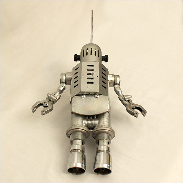 Small Round Robot Pic 4