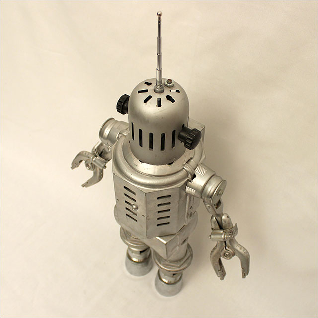 Small Round Robot Pic 5