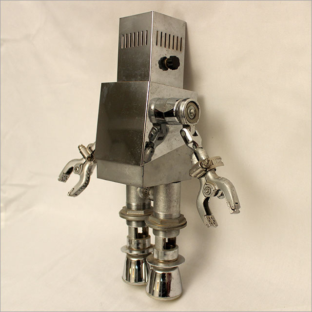 Small Square Robot Pic 2