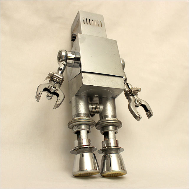 Small Square Robot Pic 3