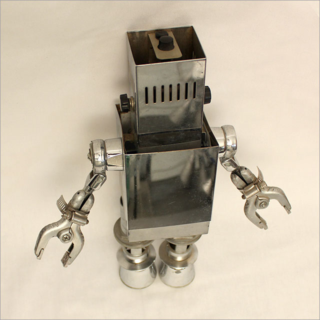 Small Square Robot Pic 4