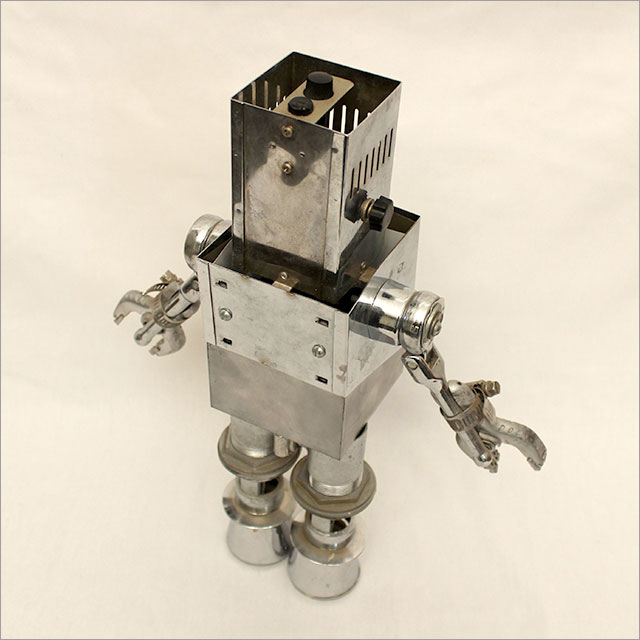 Small Square Robot Pic 6
